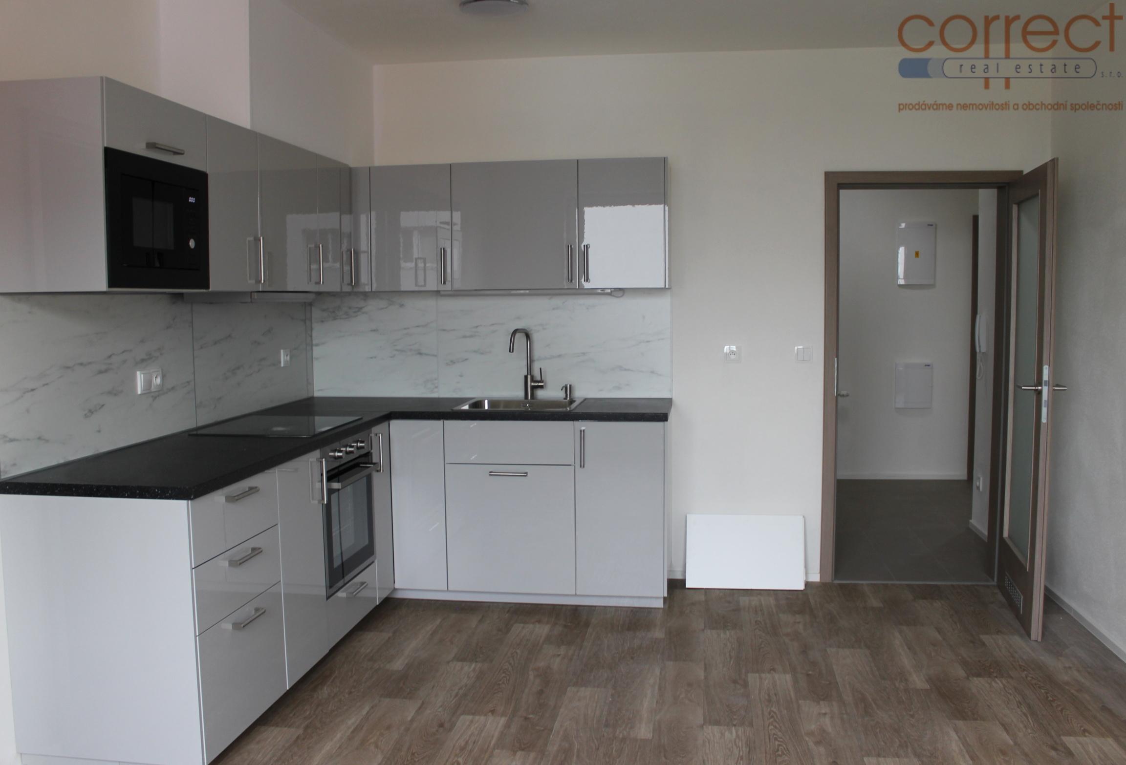 Pronájem bytu 3+kk, 7.patro, parkovací stání, balkon, Brno-Černovice