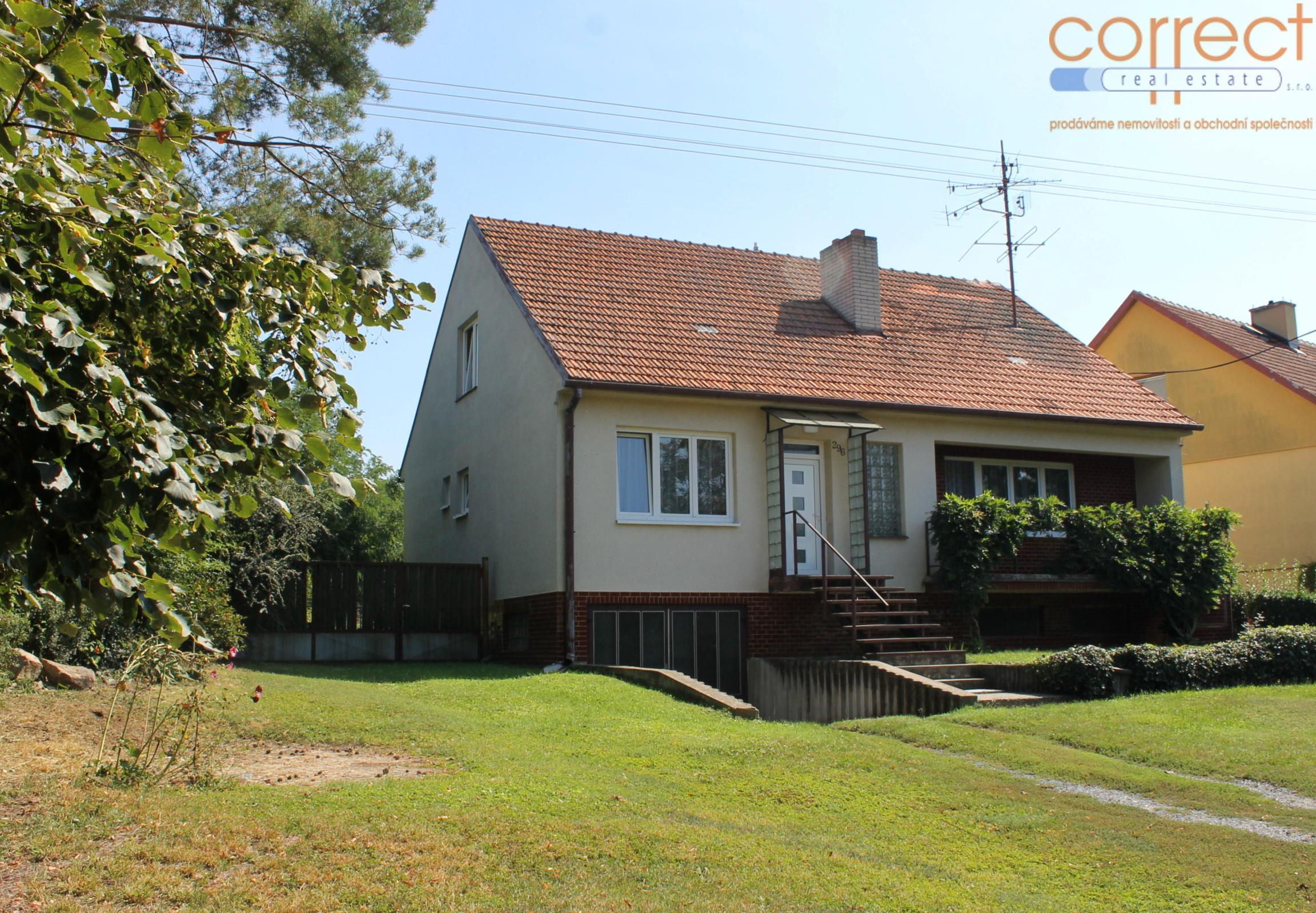Prodej RD s garáží a zahradou ve Strachotíně, CP 865 m²