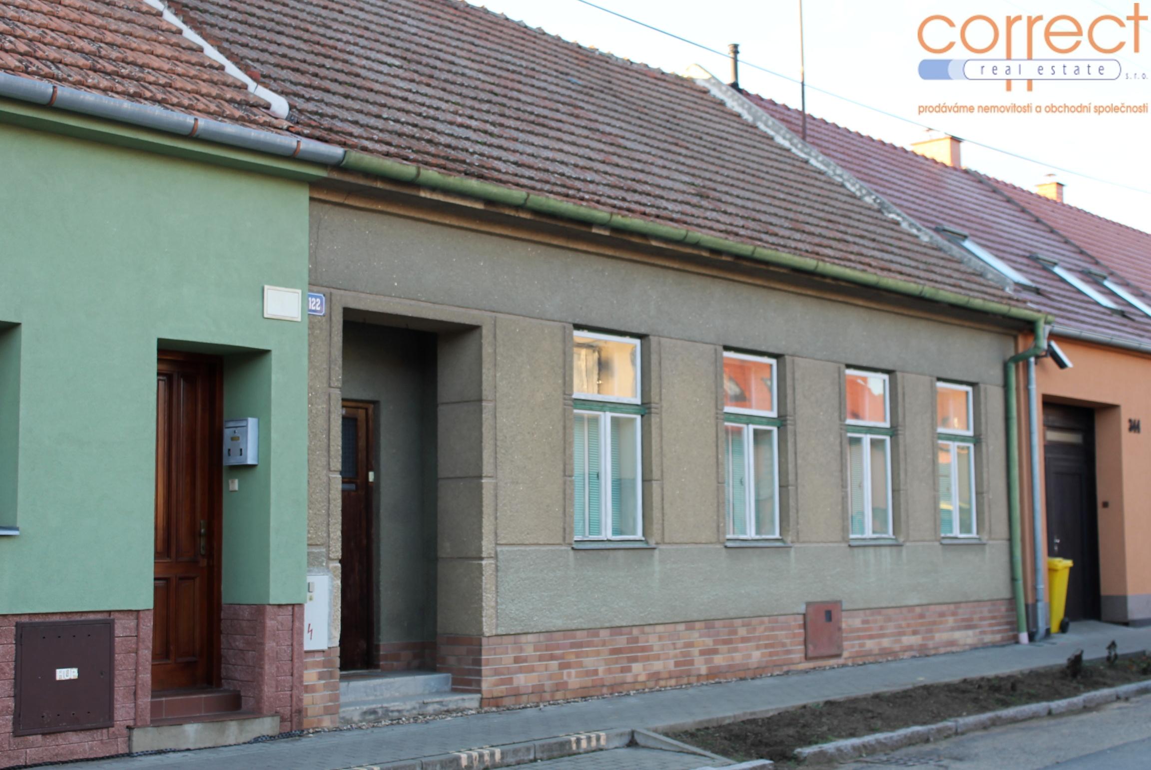 Prodej RD se zahradou v obci Hrušovany u Brna, CP 513m²