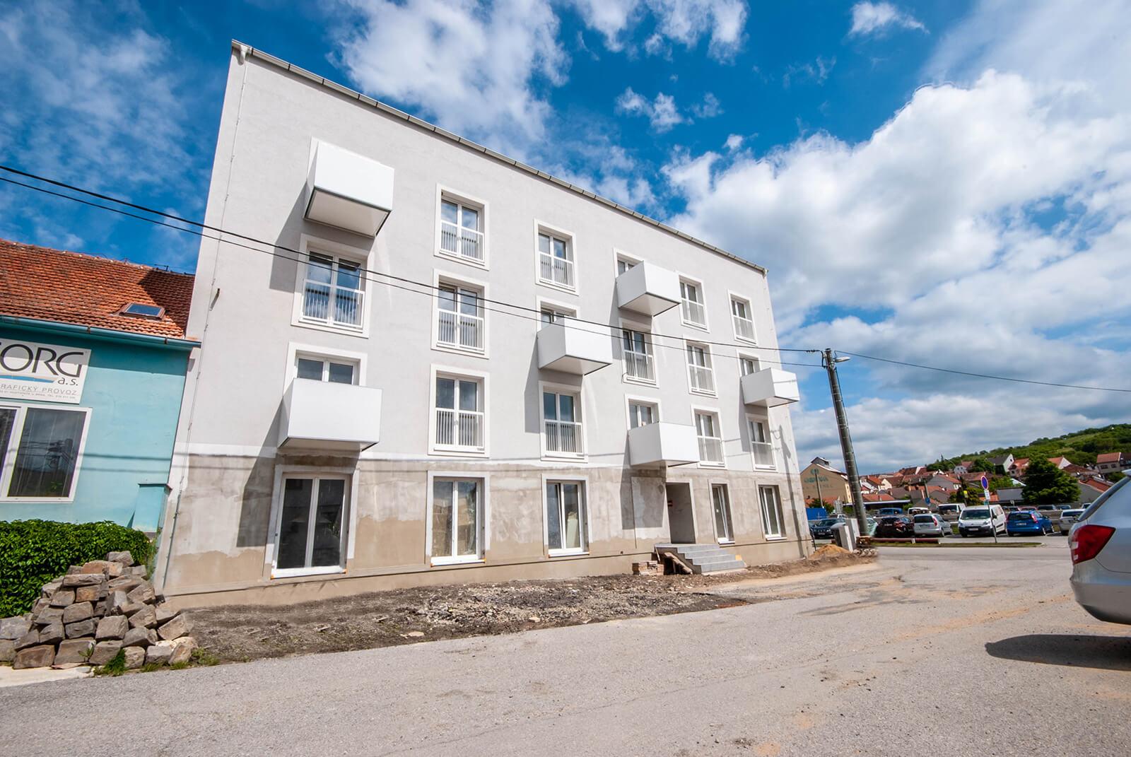 Novostavba mezonetového bytu č. 15 o velikosti 1+kk s úložným prostorem, Hustopeče