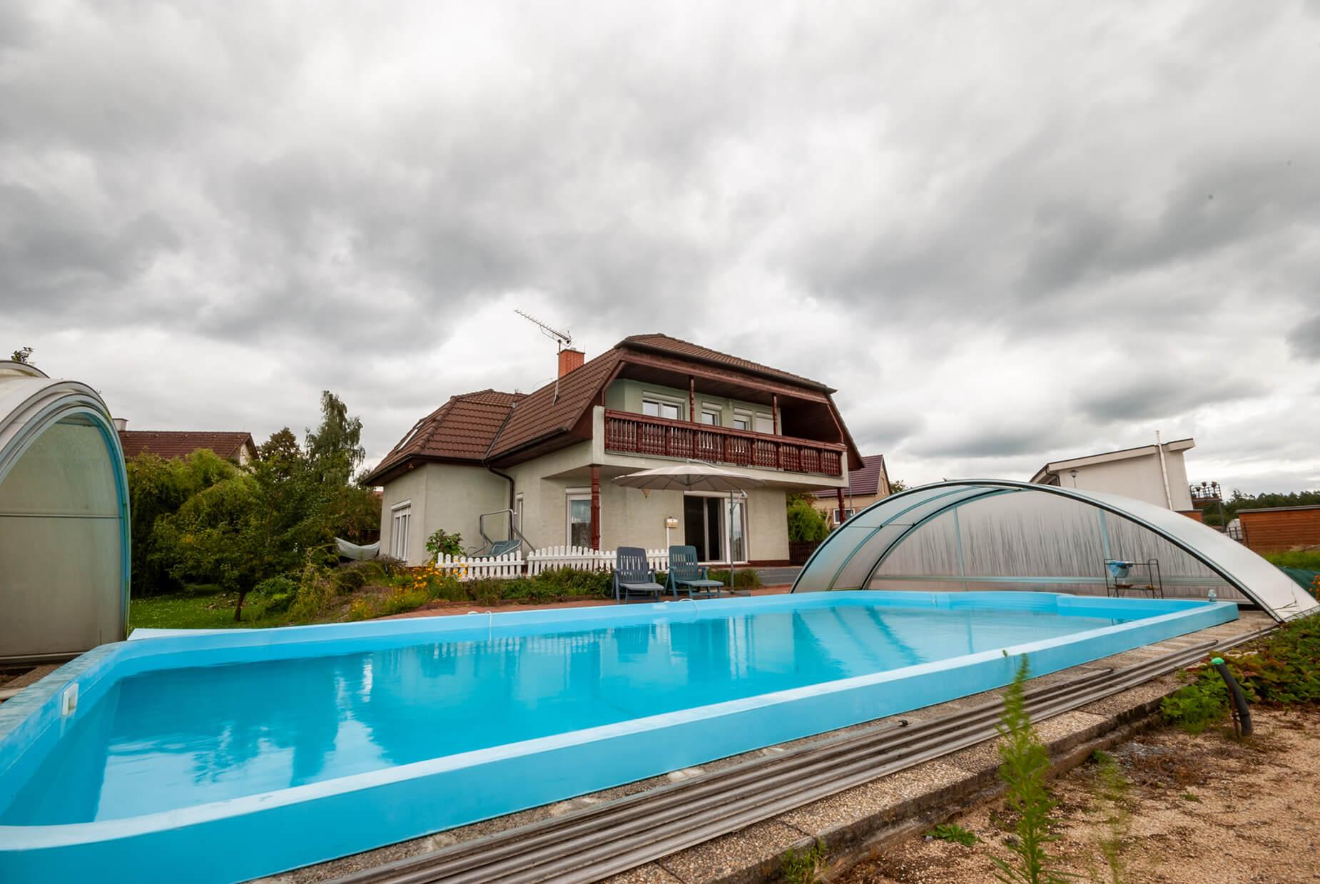 Prodej RD se zahradou a bazénem v Bukovině, CP 2002 m²