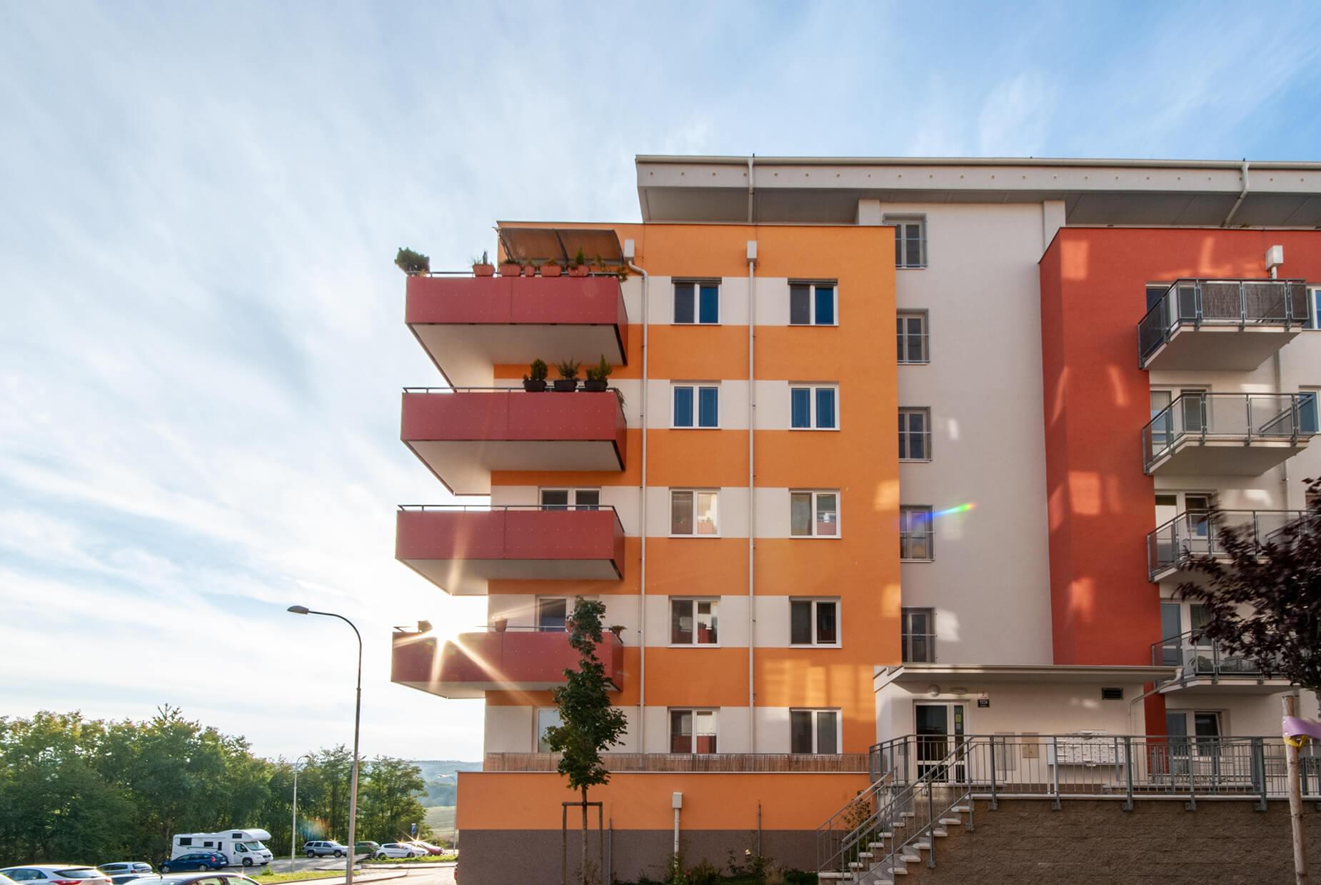 OV 1+kk Kamechy, 33,2 m², cihla, balkon, výtah