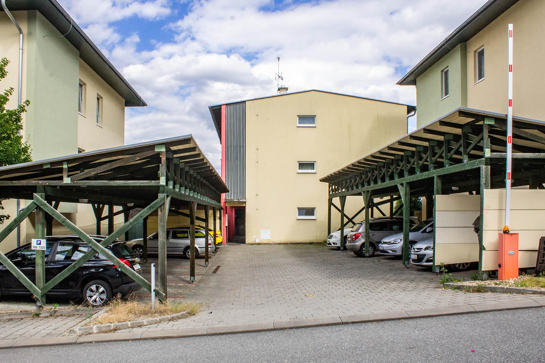 Zastřešené parkovací stání, 18 m², Brno-Žebětín
