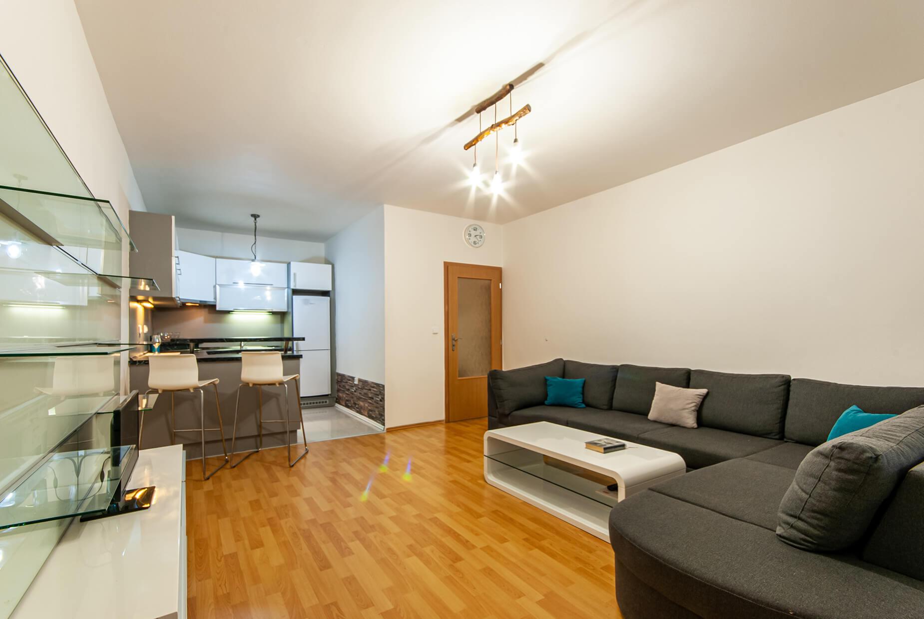 Prodej OV 2+kk Modřice, ul. K Lesu, CP 51 m², zahrádka 48 m²