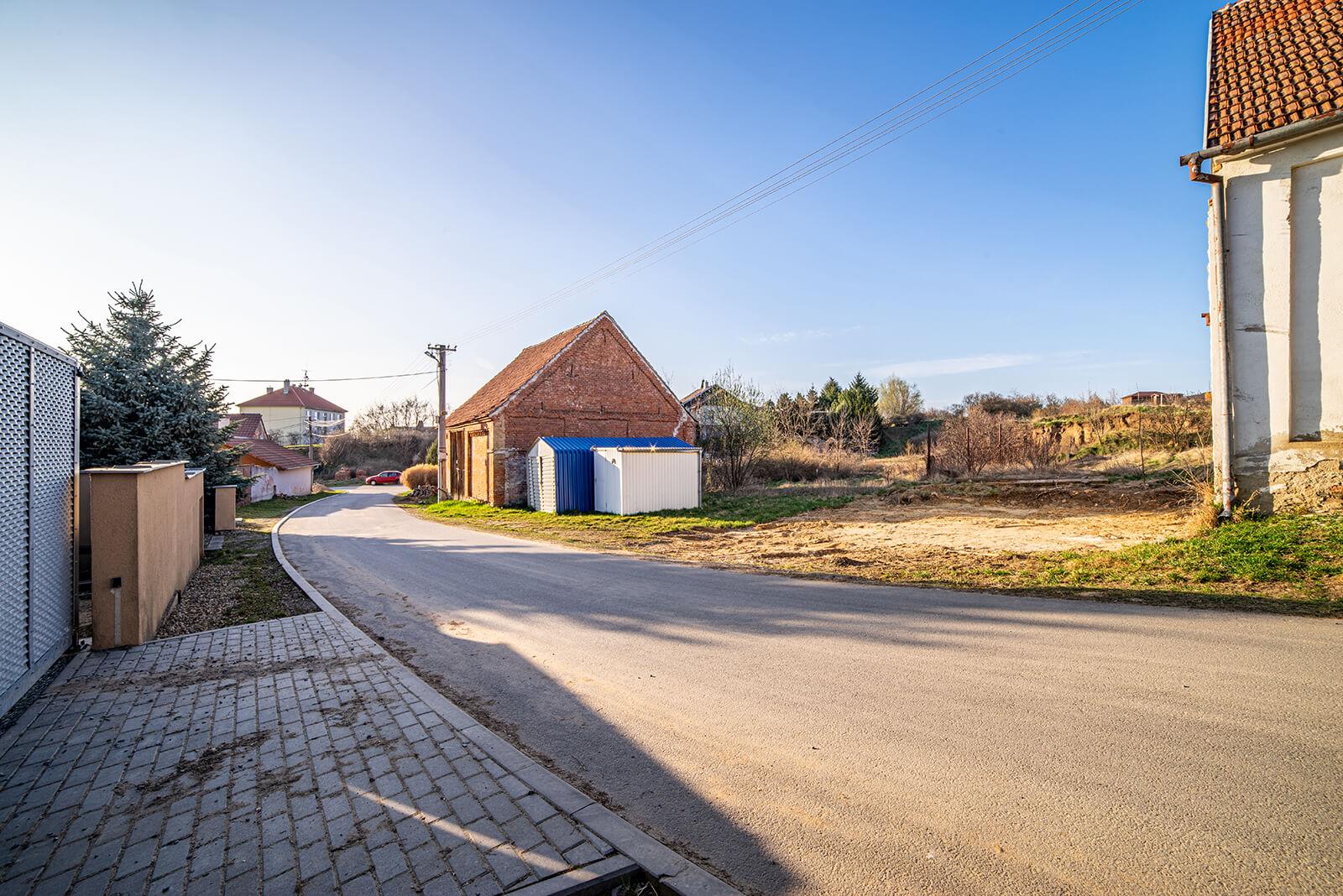 Prodej stavebního pozemku, 335m², Medlov, 20 km od Brna